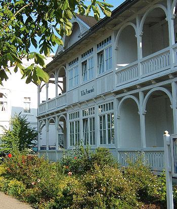 2 zi ferienwohnung in binz r gen sowie 12 weitere ferienwohnungen von privat in k hlungsborn. Black Bedroom Furniture Sets. Home Design Ideas